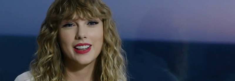 Taylor makes surprise cameo at the American Music Awards