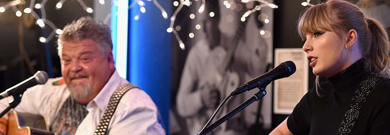 """Taylor Performs """"Better Man"""" at the BlueBird Cafe"""