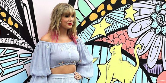 Taylor makes appearance at Nashville mural