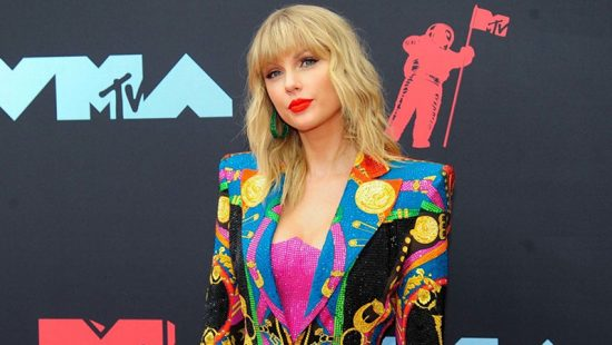 Taylor attends the 2019 MTV Video Music Awards